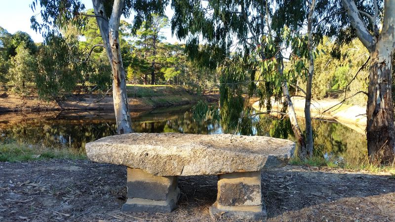 Dunolly Dredge Hole Walking Track | Goldfields Guide